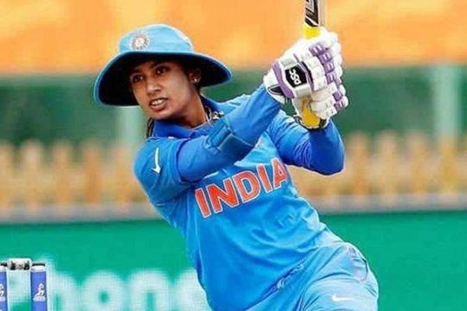 मिताली राज: आंतरराष्ट्रीय क्रिकेटमध्ये ६००० धावांचा टप्पा पार करणारी पहिली भारतीय महिला. एकदिवसीय सामन्यात २०० एकदिवसीय सामने खेळणारी ती पहिली महिला क्रिकेटपटू आहे