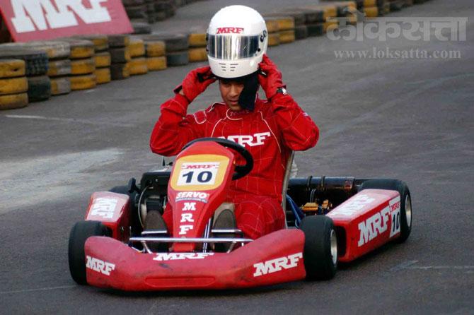 सचिनला गाड्यांचे आणि रेसिंगचे खूप वेड आहे