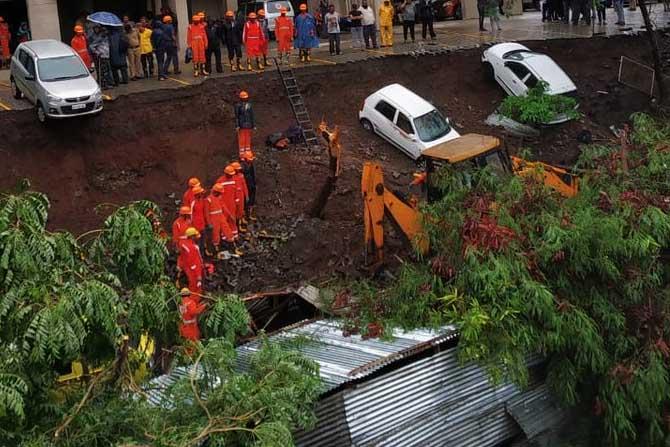 पुण्यातील कोंढवा भागात भिंत कोसळून १५ कामगारांचा मृत्यू झाला आहे.
