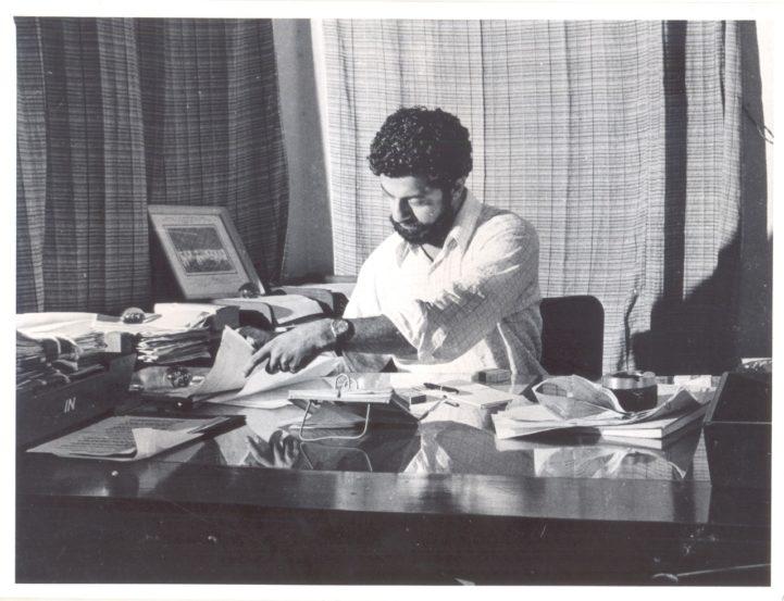 कर्नाड यांनी तब्बल चार दशके नाट्यलेखन, दिग्दर्शन व अभिनयानं रंगभूमी गाजवली. कन्नड, मराठी, हिंदी व इंग्रजीसह विविध भाषांमध्ये त्यांची नाटके रूपांतरित झाली.