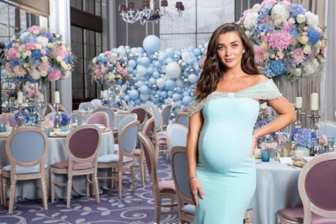 'सिंग इज ब्लिंग', '2.0', 'I' आणि अनेक दाक्षिणात्य चित्रपटातून काम केलेली अभिनेत्री अॅमी जॅक्सन गर्भवती आहे.