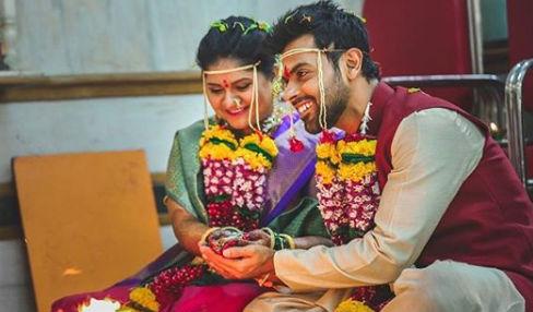 अभिनेता रोहन गुजरच्या लग्नाचा फोटो