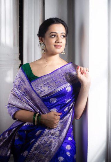 मराठी चित्रपटसृष्टीतील लोकप्रिय अभिनेत्री म्हणजे स्पृहा जोशी