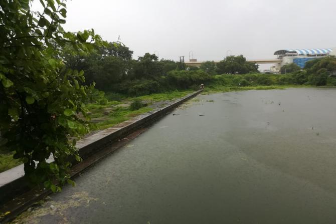 अंबाझरी नदीने धोक्यची पातळी ओलांडली