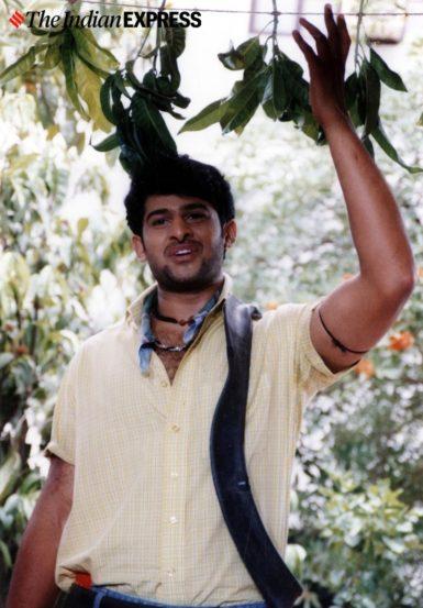 प्रभास हा तेलुगू अभिनेता उप्पलपती कृष्णम राजू यांचा पुतण्या आहे. तर प्रभासचे बाबा निर्माते आहेत.