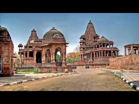 रावण मंदिर जोधपुर, राजस्थान - जोधपूरमधील मुद्गल ब्राह्मण रावणाचे वंशज मानले जातात. तसेच जोधपूर शहर मंदोदरी म्हणजेच रावणाच्या पत्नीचे मूळ स्थान मानले जाते. शहरातील चांदपोल परिसरातील महादेव अमरनाथ आणि नवग्रह मंदिर संकुलात रावण मंदिर आहे. या मंदिरात रावणा आराध्य देवता, शिव आणि देवी खुराना यांच्या मूर्ती स्थापित केल्या आहेत.