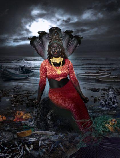 जरीमरी आई- जलप्रदूषणाचा महत्त्वाचा मुद्दा तेजस्विनीने या रुपातून मांडला.