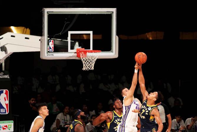 बास्केटबॉल खेळाची लोकप्रियता लक्षात घेता, लवकरच भारतातही 'एनबीए' लीग सुरू करण्याचा विचार असल्याचे नॅशनल बास्केटबॉल असोसिएशनचे कमिशनर अॅडम सिल्व्हर यांनी सांगितले. (छाया - निर्मल हरिंद्रन)