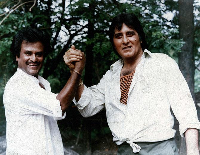 १९७१ मध्ये 'हम तूम और वो' या सिनेमात त्यांनी पहिल्यांदा मुख्य अभिनेता म्हणून काम केले. विनोद खन्ना यांनी 'मेरे अपने', 'कुर्बानी', 'पूरब और पश्चिम', 'रेशमा और शेरा', 'हाथ की सफाई', 'अमर, अकबर, अँथनी' या सिनेमांमधून आपल्यातील अभिनय गुण दाखवून दिले होते